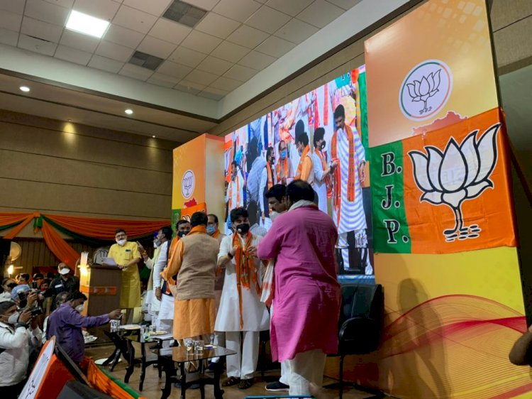 बाबा की भाजपा में वापसी, चुनाव में बागी होकर बिगाड़े थे BJP के समीकरण