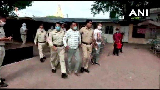 Kanpur Encounter: आख़िरकार विकास दुबे की हुई गिरफ्तारी..गृहमंत्री नरोत्तम मिश्रा ने क्या कुछ कहा : देखे पूरी खबर