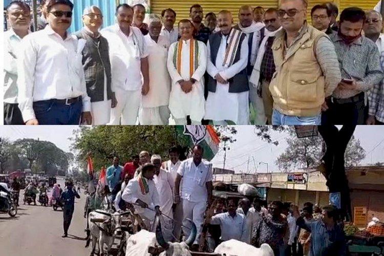 डीजल, पेट्रोल और घरेलू रसोई गैस के बढ़ते दामों के विरोध में कांग्रेस ने बैलगाड़ी यात्रा निकालकर किया प्रदर्शन
