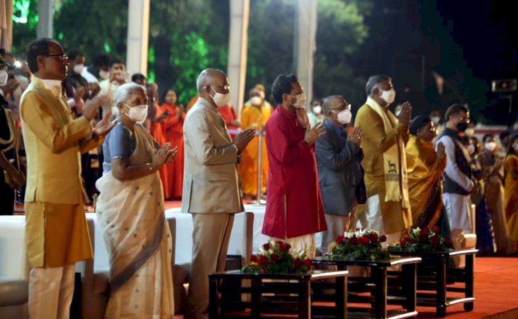 राष्ट्रपति श्री कोविंद दो दिवसीय प्रवास पर जबलपुर पहुँचे, माँ नर्मदा की महाआरती में हुए शामिल